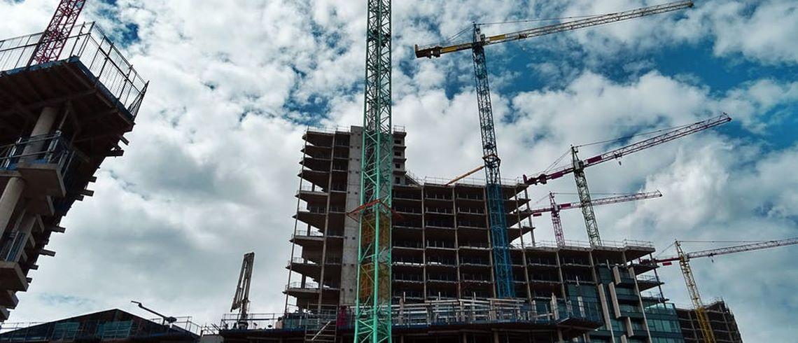 Köpa fastighet eller investera i nybyggnation? Vad passar dig?